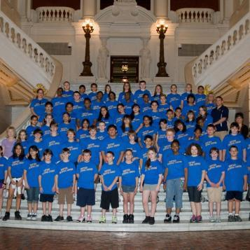 Rep. Pashinski welcomes students from Dr. Kistler Elementary School during a visit to the state Capitol.